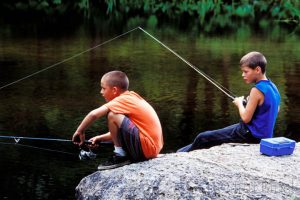 boys-fishing-1